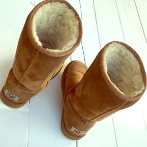 UGG boots tall classic camel brown leather 6